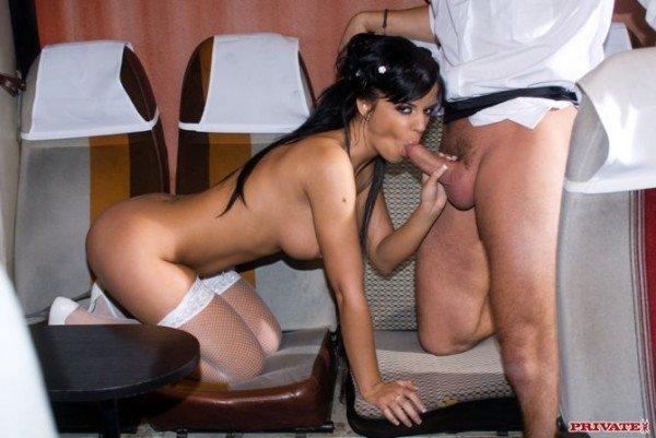sex in autobuz , Black Angelica , Jasmine Rouge , porno cu romance , filme porno hd , muie , pizda , cur , dubla penetrare , public ,