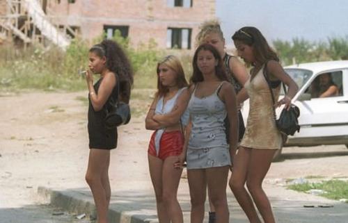Filme cu prostituate care se fut in locuri publice 2017 .