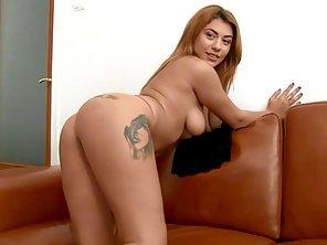 Alexandra din Bucuresti Militari fututa la casting pentru filme porno xxx .