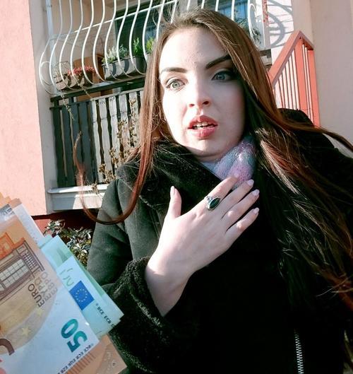 Public Agent Linda Brugal romanca fututa in public pentru bani 2018 HD .