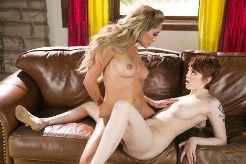 Filme porno cu lesbiene sexy cu sani mari naturali . 2