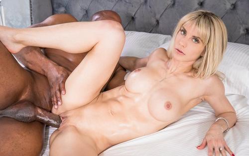 Filme xxx interracial cu Cassie Bender sex cu un negru 2019 .